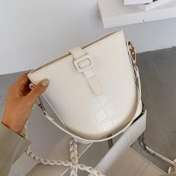 Ukawaii 新登場!新作 バケットバッグ 韓国ファッション シンプル 合わせやすい 肩掛け 斜め掛け 可愛い ショルダーバッグ