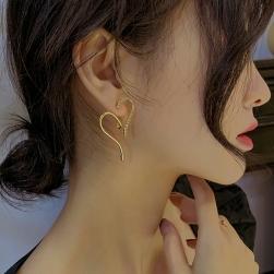 Ukawaii デザイン抜群 ファッション 不規則形 ハート型 ラインストーン ピアス