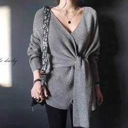Ukawaii 今季注目 おしゃれ ファッション vネック ニット デザイン性 セーター
